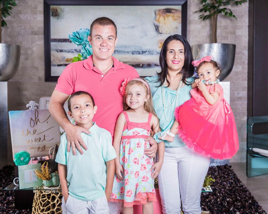 Sheyla-family.jpg